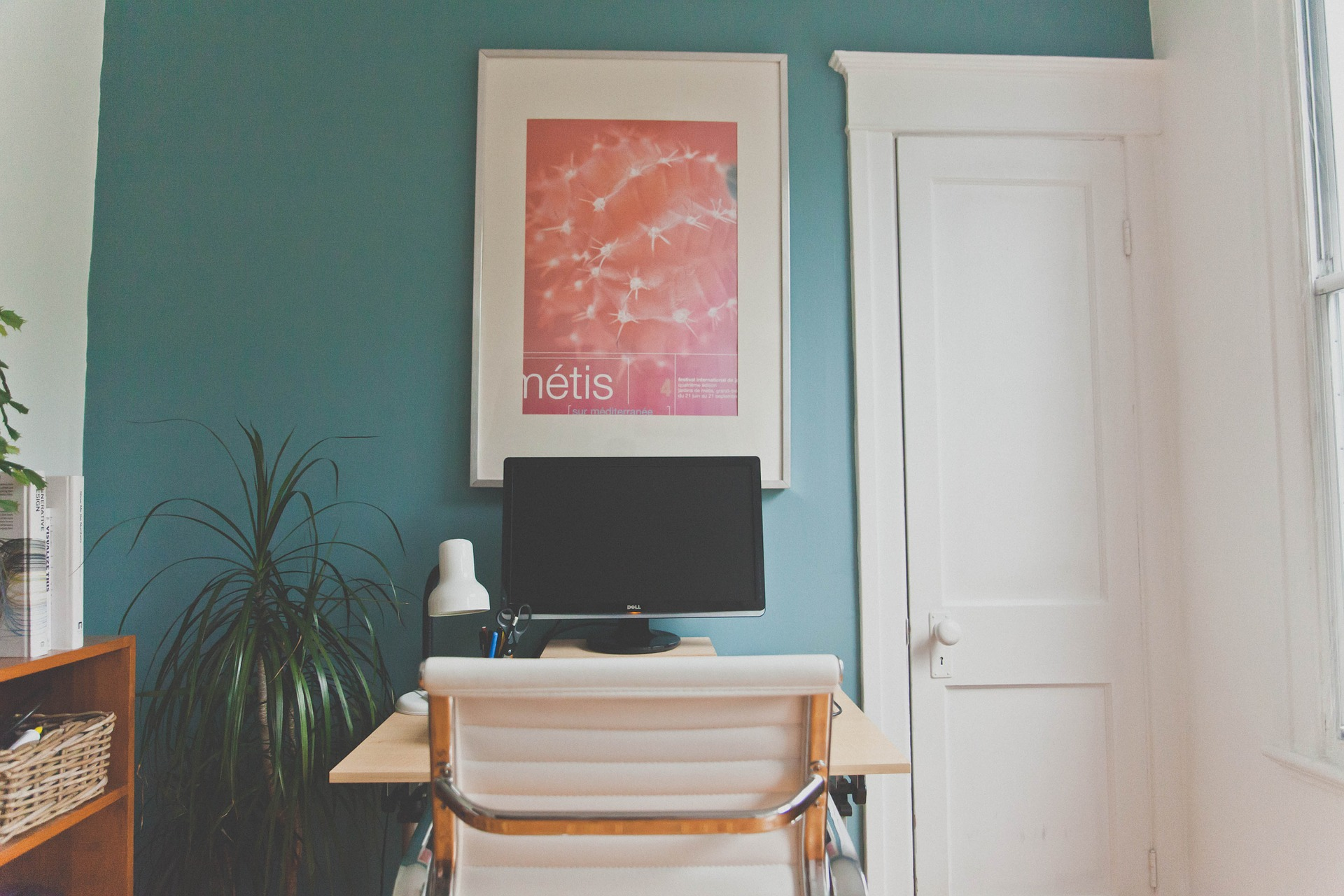 How to Work from Home and Keep Sales Productivity High